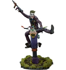 DC COMICS The Joker Premium Format Figure