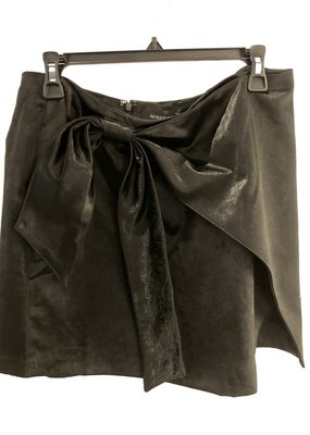 Mink Pink Dinner Date Satin Skirt Black, Large