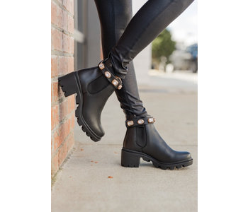 Amulet Boot