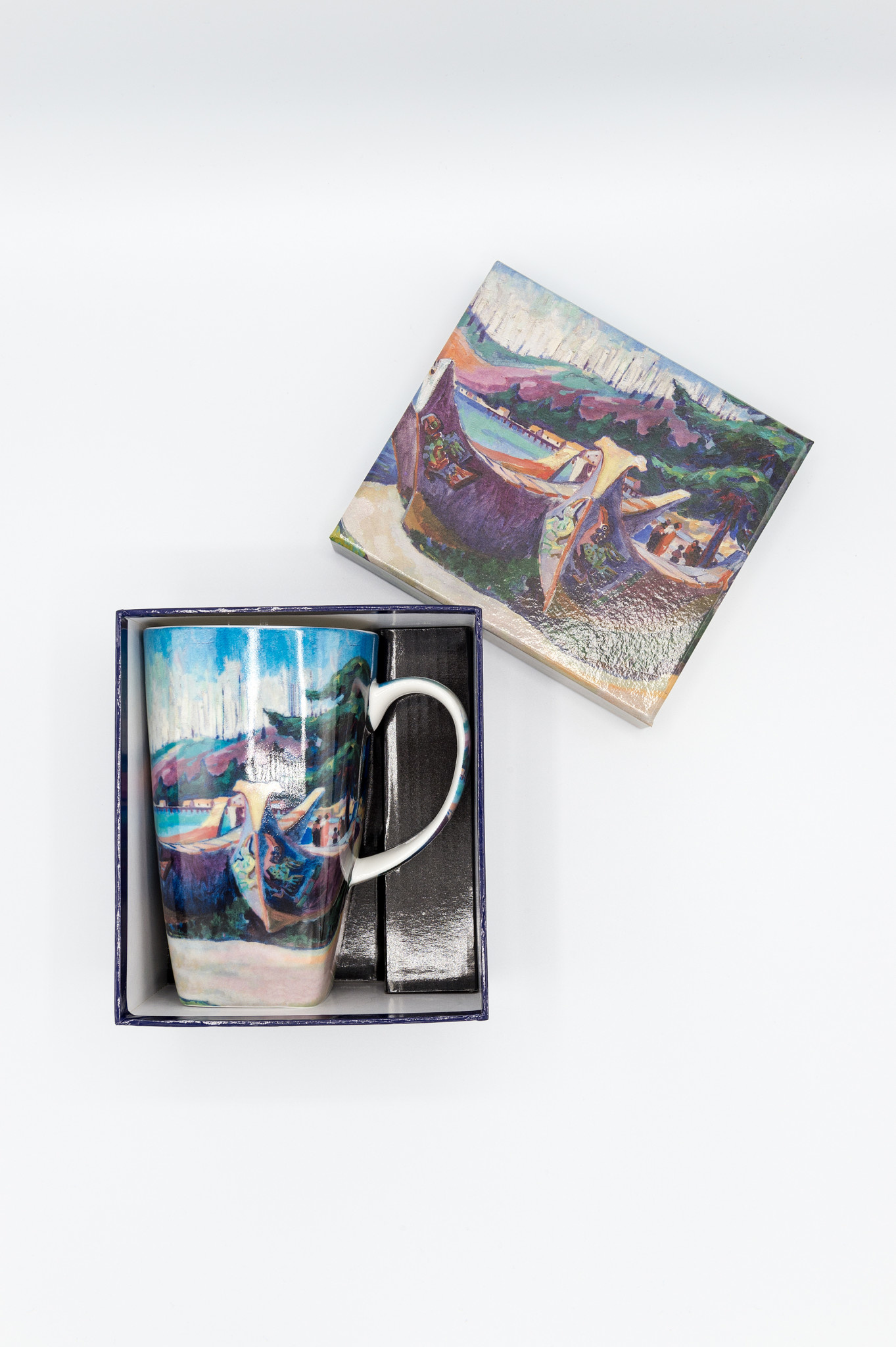 AAM Collection Grande Mug - War Canoes - Emily Carr