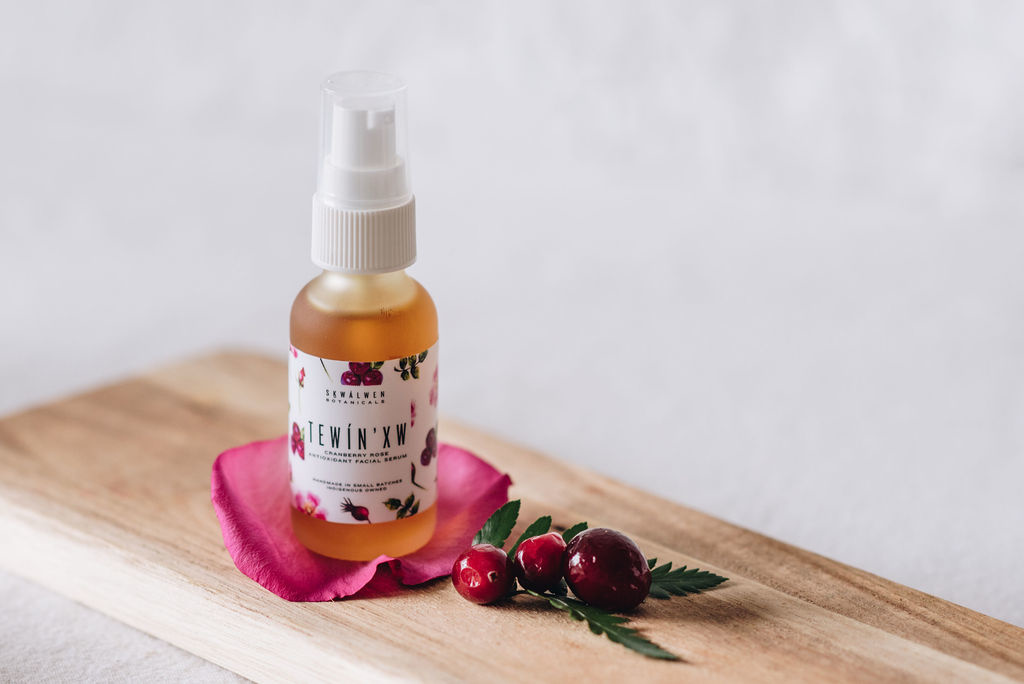 TEWÍN'XW Cranberry Rose Antioxidant Facial Serum