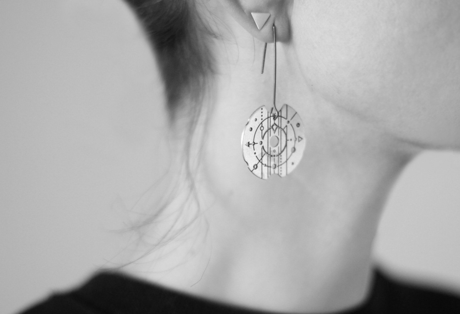VEDRO Creative Earrings - Soul Compass
