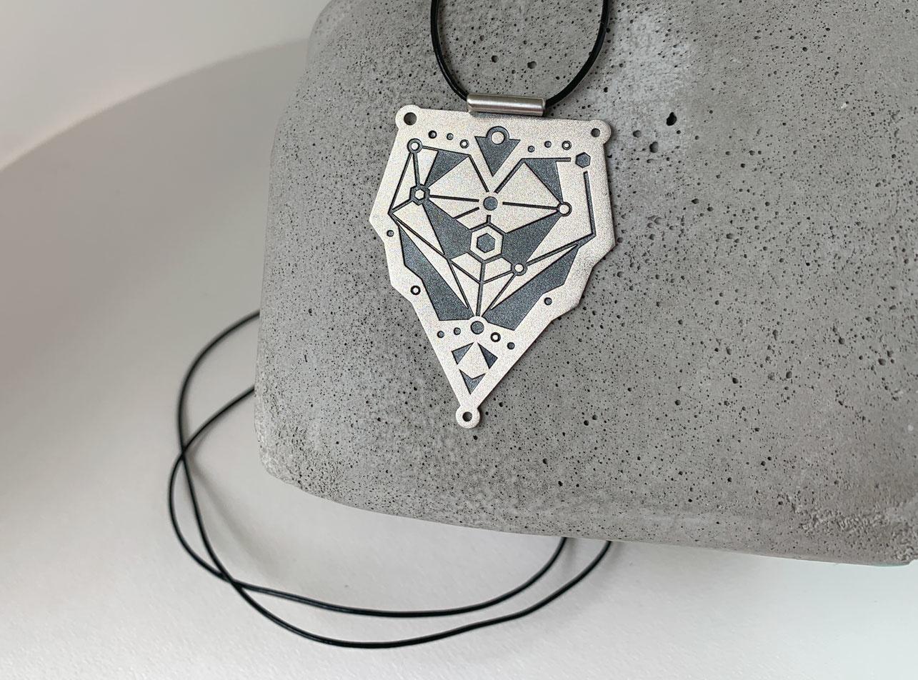 VEDRO Creative Necklace - Dragon Heart Pendant