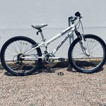 """Specialized Specialized Hotrock 7 Speed 24"""" White USED"""