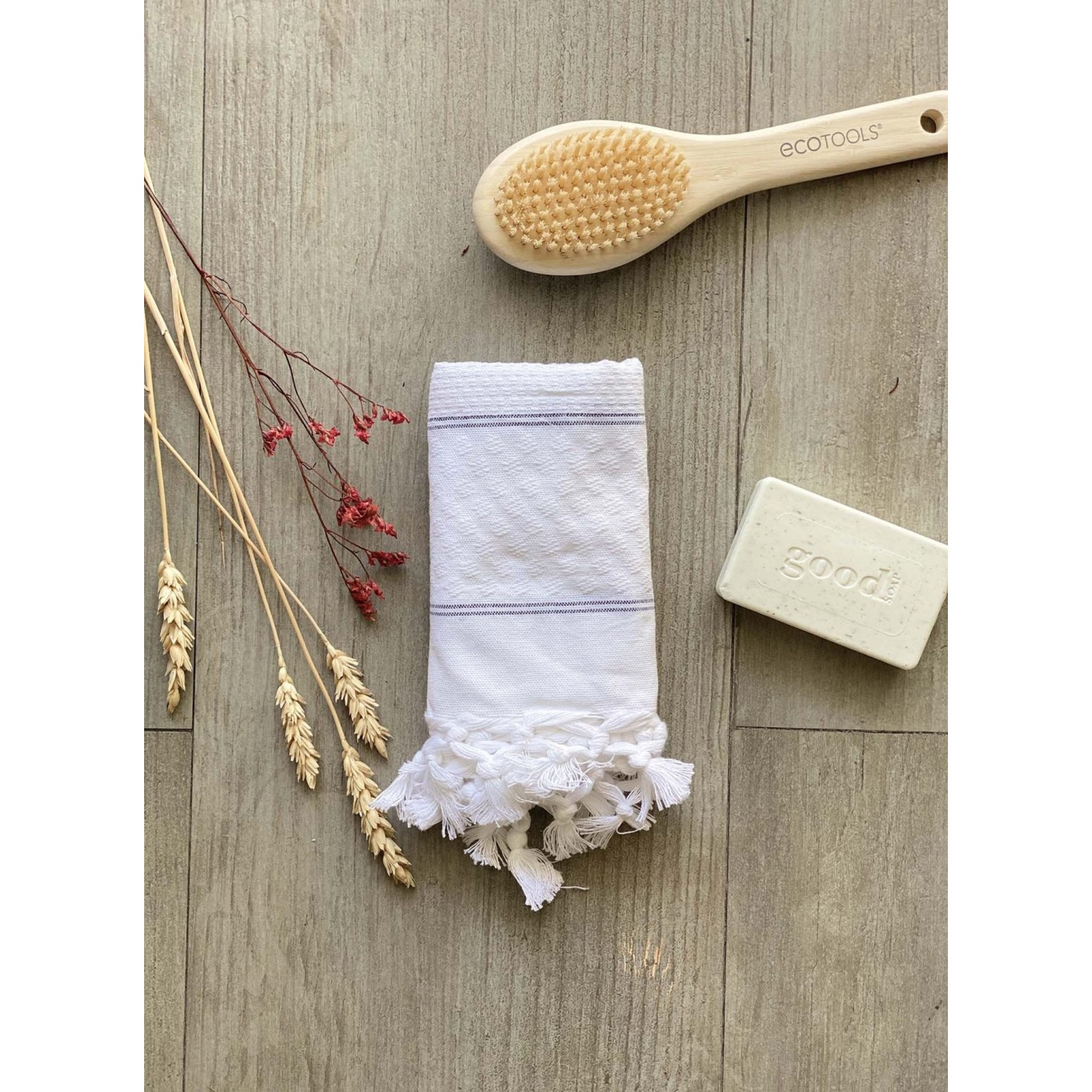 Scents and Feel Polka Dot Hand Towel