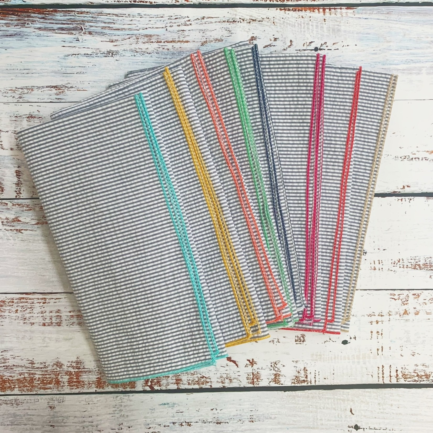 Dot and Army Seersucker Dinner Napkins - Grey w/ Colorful Edges - Set of 8