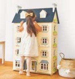 Le Toy Van Palace Dolls House