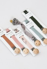 Burrow & Be Burrow & Be - Pacifier Clip Blush Meadow