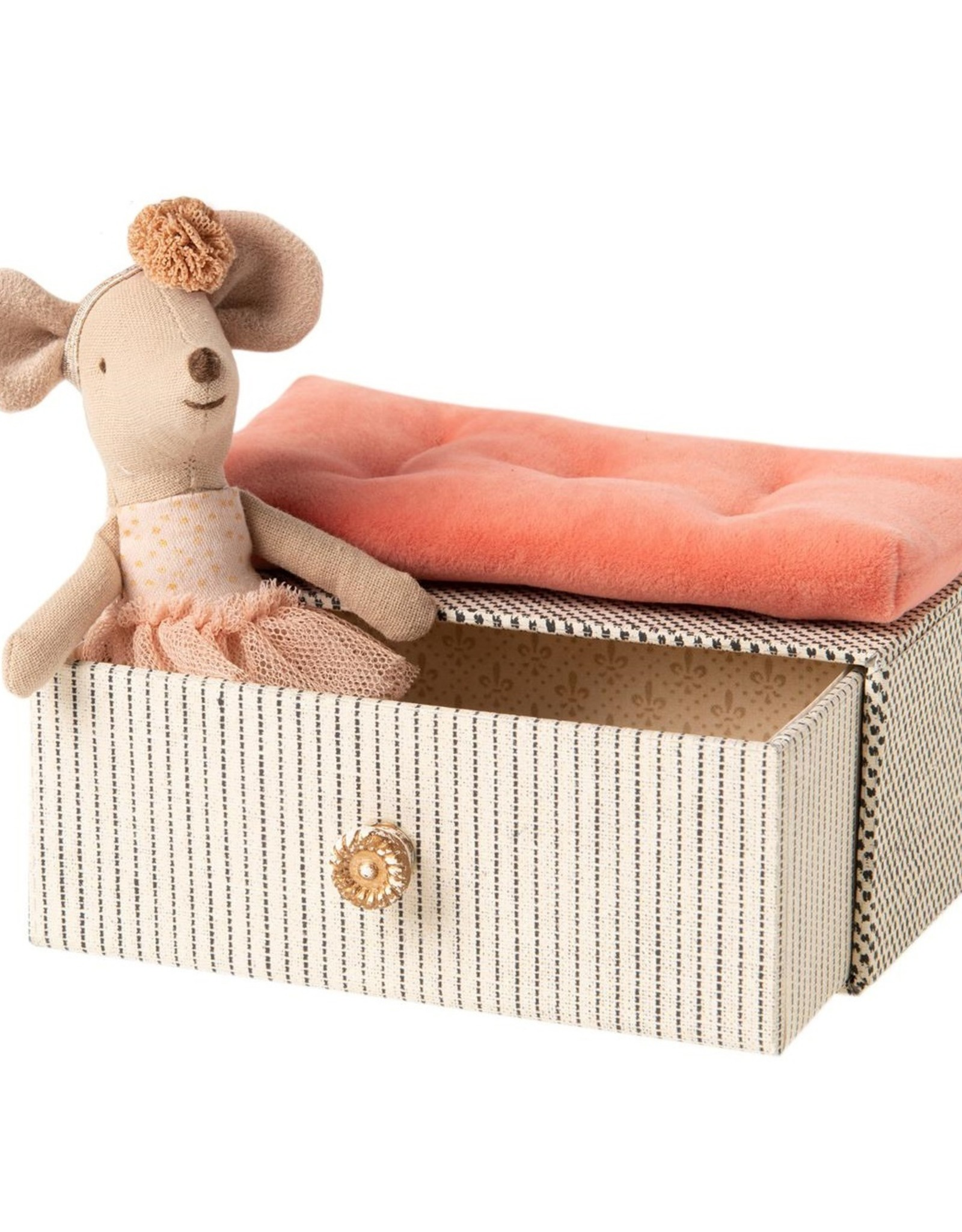 Maileg Maileg - Dancing Little Sister Mouse In Daybed