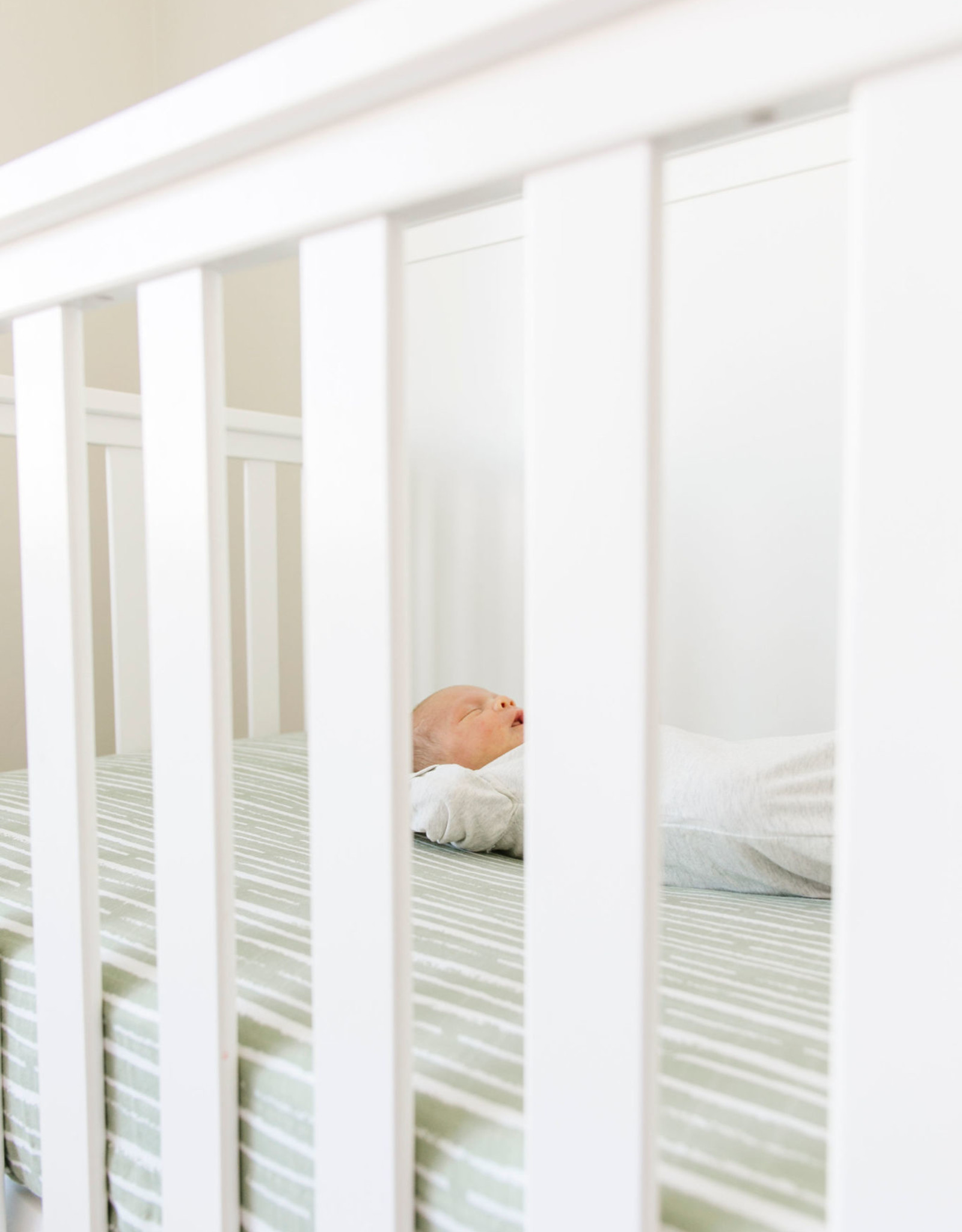 Saranoni Muslin Crib Sheet 107-4545-2 Forest Stripe