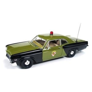 American Muscle Diecast . AMD 1/18 '66 CHEV BISCYNE POLICE