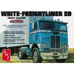 AMT\ERTL\Racing Champions.AMT 1/25 White Freightliner SD