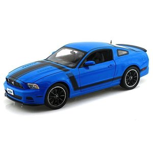 Shelby Collectables . SBC 1/18 MUSTANG BOSS 302  2013