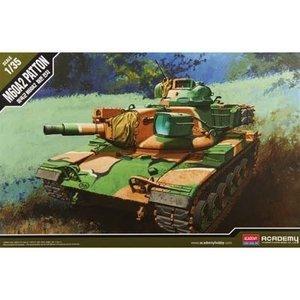 Academy Models . ACY 1/35 US ARMY M60A2 TANK