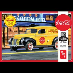 AMT\ERTL\Racing Champions.AMT 1/25 1940 Ford Sedan Delivery Coca Cola