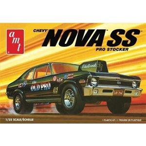 AMT\ERTL\Racing Champions.AMT 1/25 '72 Chevy Nova SS