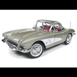 American Muscle Diecast . AMD 1/18 1961 Chevrolet Corvette Hardtop (MCACN) - Fawn Beige