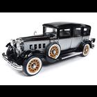 Auto World . AWD 1/18 1931 Peerless Master 8 Sedan