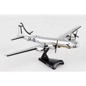 Daron Worldwide Trading . DRN 1/200 B-29 Superfortress