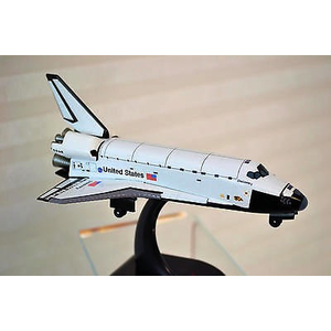 Daron Worldwide Trading . DRN 1/300 SPACE SHUTTLE DISCOVERY
