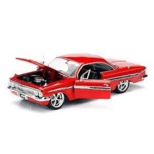 "Jada Toys . JAD Fast & Furious 8"" 1/24 Dom's Chevy Impala"