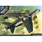 Academy Models . ACY 1/72 F-8P Crusader [French Navy Special]