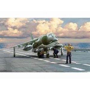 Italeri . ITA 1/72 AV-8A HARRIER