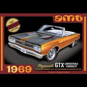 AMT\ERTL\Racing Champions.AMT 1/25 1969 Plymouth GTX Convertible