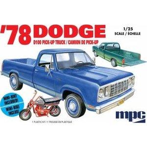 MPC . MPC 1/25 1978 Dodge D-100 Custom Pickup