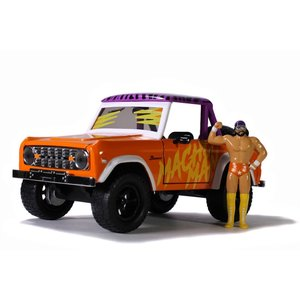 "Jada Toys . JAD Jada 1/24 ""Hollywood Rides"" 1973 Ford Bronco w/ Macho Man"