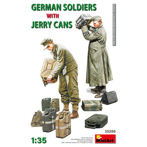 Miniart . MNA 1/35 German Soldiers w/Jerry Cans