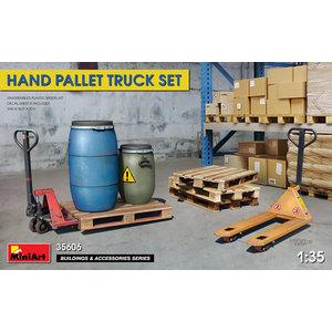 Miniart . MNA 1/35 Hand Pallet Truck Set
