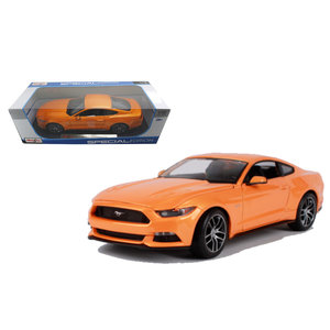 Maisto . MAI 1/18 2015 Ford Mustang GT Met. Orange