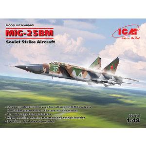 Icm . ICM 1/48 MiG-25 BM, Soviet Strike Aircraft
