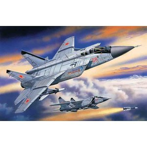 Icm . ICM 1/72 Mikoyan-31B Russian Heavy Interceptor Fighter