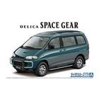 Aoshima . AOS 1/24 Mitsubishi PE8W Delica Space Gear '96