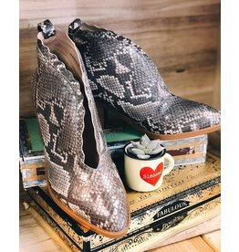 GC Shoes Maris Snake Bootie