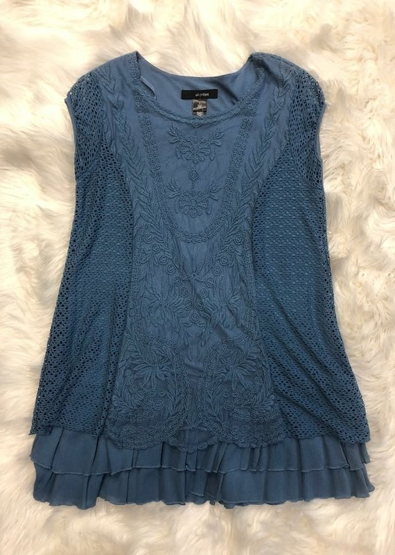 Ali Miles Sleeveless Lined Lace Tunic