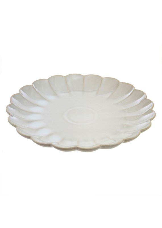 Amelia Scalloped Dinner Plate in White