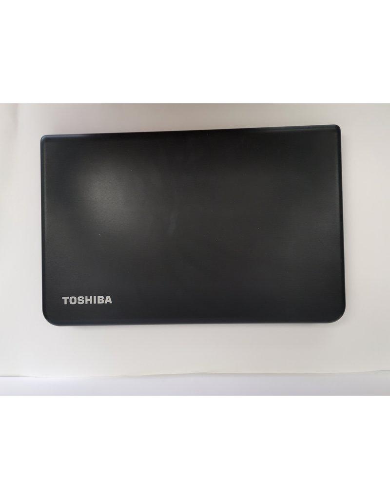 """Toshiba Toshiba 15"""" 8GB/1TB i5 2.2GHz"""