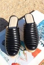 Beklina Beklina Ribbed Clogs, Black
