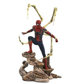 Diamond Select Toys Avengers Infinity War Marvel Gallery Iron Spider 10-inch Collectible PVC Statue