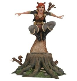 Diamond Select Toys Marvel Gallery Squirrel Girl 9-Inch PVC Figure Statue