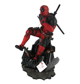 Diamond Select Toys Marvel Gallery Diorama PVC Deadpool Statue Walmart Exclusive