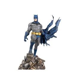 Diamond Select Toys DC Comics Gallery Batman (Defiant) Figure