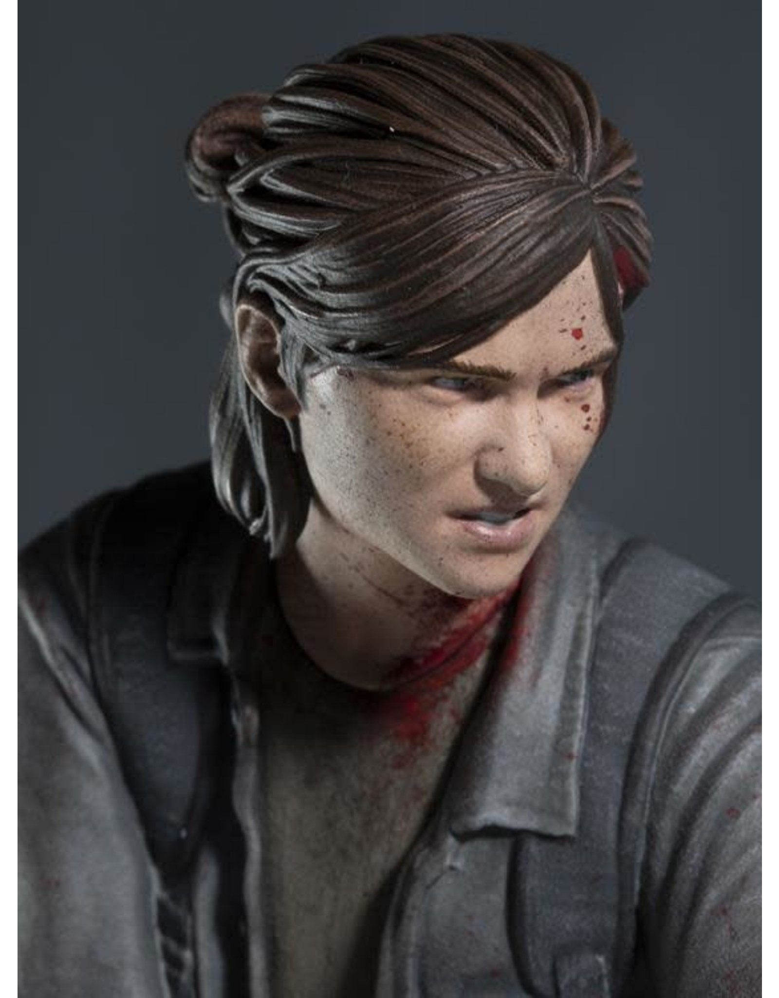 Dark Horse The Last of Us Part II Ellie with Bow Figure