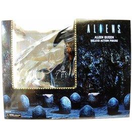 NECA NECA Aliens Deluxe  Alien Queen Xenomorph Action Figure