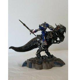 Hasbro Transformers 4 Age of Extinction Grimlock and Optimus Prime Statue