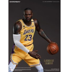 Real Masterpiece NBA Real Masterpiece LeBron James (Lakers Home) 1/6 Scale Figure