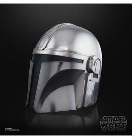 Hasbro Star Wars The Black Series The Mandalorian Premium Electronic Helmet Prop Replica